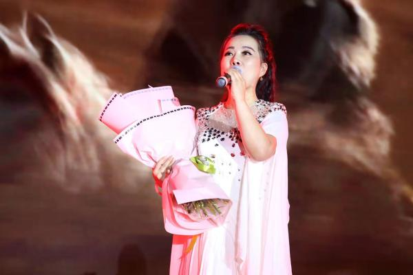 青年歌唱家段娟演唱原创歌曲...